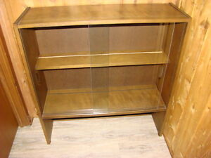 Hutch - Trophy case - Bookcase