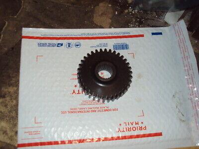E2004d Hinomoto Tractor Part 4wheel Drive Axle Gear E2004d