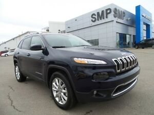 2016 Jeep Cherokee Limited 3.2L V6 - Heated Seats, Reverse Camer