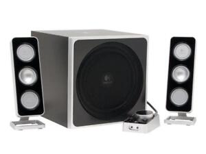 Logitech Z-4 40 watts 2.1 Speakers very good sound good for your