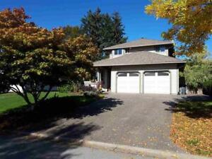 Beautiful Fully Renovated, Well-Priced 2 Storey - Brent Roberts