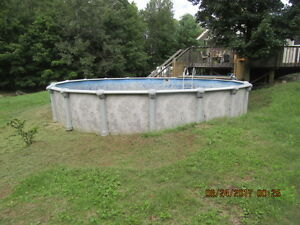 27' Above Ground Swimming Pool with Fence & Deck