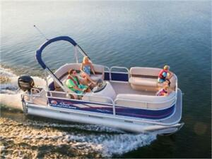2018 Suntracker Party Barge 18 DLX