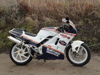 1991 HONDA VFR 400 NC24 IN ROTHMAN COLOURS- COLLECTBALE