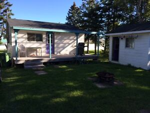 Cottage at Heather Beach: 2BR + Bunkhouse