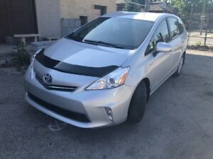 2013 Toyota Prius v_NO ACCIDENT_REMOTE STARTER_ LOW KM