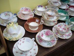 LARGE COLLECTION OF BONE CHINA TEACUPS SHELLEY AYNSLEY ADDERLEY