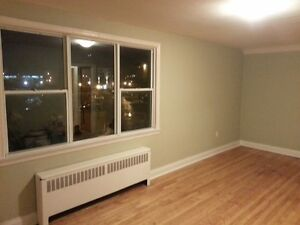 THREE BEDROOM IN GREAT CITY CENTRE LOCATION - 158-3 Park St Kingston Kingston Area image 2