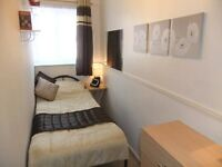 ▼▬Attractive Single Room.Inc FREE WiFi & Cleaner ▬▼▲▬ Near Canary Wharf. 1Min Walk Tube&Shops ▬▲