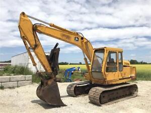 John Deere 490 Excavator