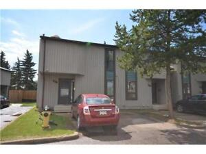 Spacious 4 bedroom townhouse in Blue Quill Community