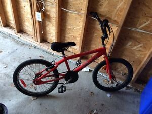 Smart, well maintained, and versatile kids bicycle for 6-9 year