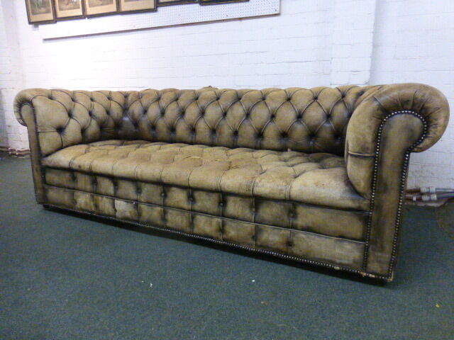 Distressed Vintage Old Antique Victorian Leather Chesterfield Sofa Can Deliver