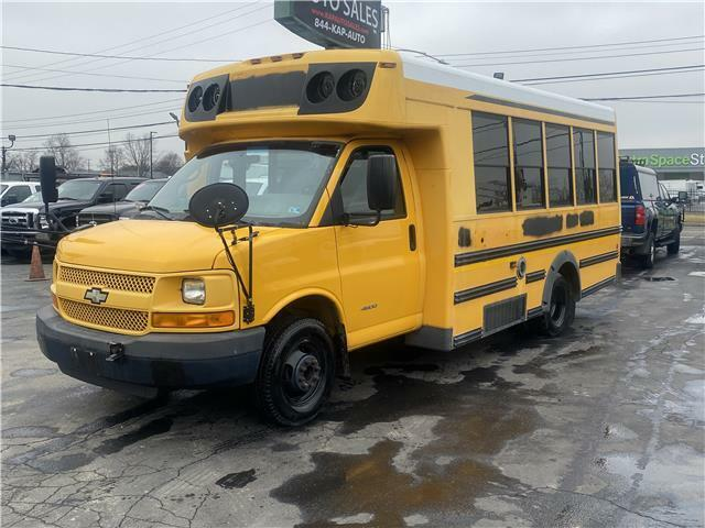 2009 Chevrolet Express Commercial Cutaway 16 PASS BUS SHUTTLE RV LIMO 6.0 GAS