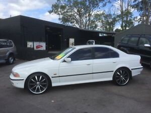 1998 BMW 523I E39 23I White 5 Speed Auto Steptronic Sedan Edgeworth Lake Macquarie Area Preview