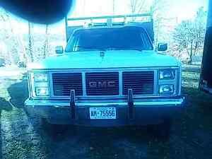 1985 GMC 3500 4x4 with dumpbox