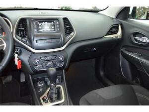 2016 Jeep Cherokee North 4X4 - U-Connect**LOW KMS**Keyless Entry Kingston Kingston Area image 19
