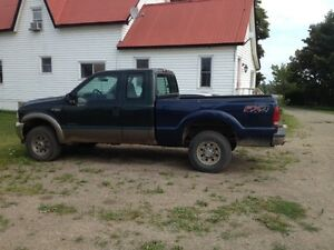 2002 Ford F-250 XL Pickup Truck will part out