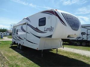 2012 Laredo 264SRL Luxury 5th wheel w slideout - 1/2 ton towable
