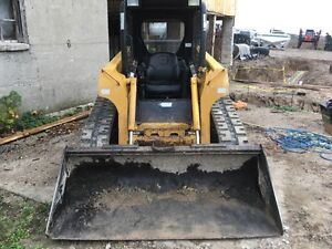 2006 JOHN DEERE CT 322 TRACK SKID STEER London Ontario image 2