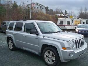 FINANCE IT!!! 2010 JEEP PATRIOT 4X4 AUTOMATIC , NEW BRAKES