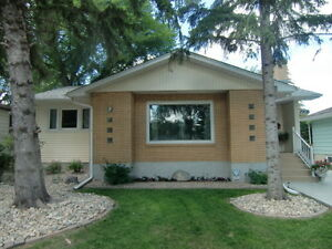 Quinn Dr.- Renovated- Walk to Wascana Lake/Park