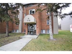+++WELL KEPT TWO STOREY CONDO LOCATED IN THE PINES+++