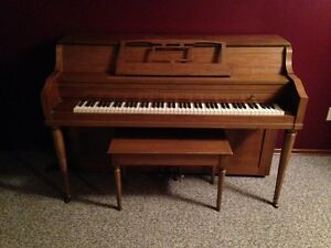 Yamaha Clavinova CVP 209 Electric Piano