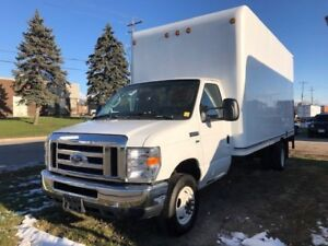 2013 Ford Econoline Commercial Cutaway 16' Cube, p/lift