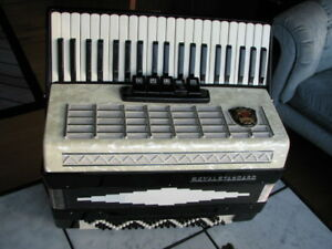 Black & White Royal Standard Accordion