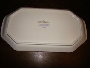 Lilac Whisper Sandwich Tray/Platter Comox / Courtenay / Cumberland Comox Valley Area image 2