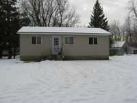 ATTENTION SNOWMOBILERS!  GREAT LOCATION IN PINEY, MB