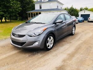 2012 Hyundai elantra GLS... 6 Speed!!!