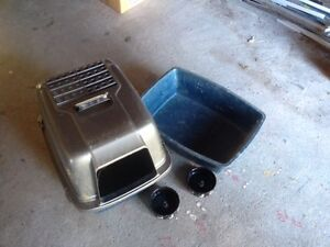 2 x Litter boxes and dishes