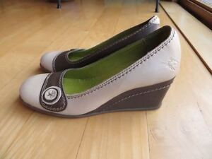 Cute Fly Pumps