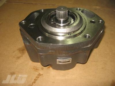 Gehl 98220 - New Gehl Spicer Charge Pump