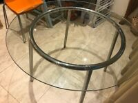 Lovely glass round dining table seats 4 (150 cms diameter)