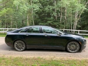 2014 Lincoln MKZ Technology Package Sedan