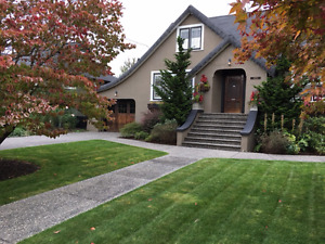 Kerrisdale Style Gorgeous 4 Bedroom Heritage Home! Chilliwack BC