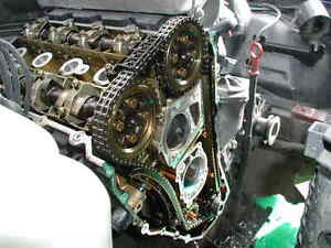 Mechanic to service Timing Belt/Chain, Valves/Cylinder Heads