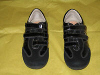 Girl's Geox Respira Shoes - Size 3 (New)