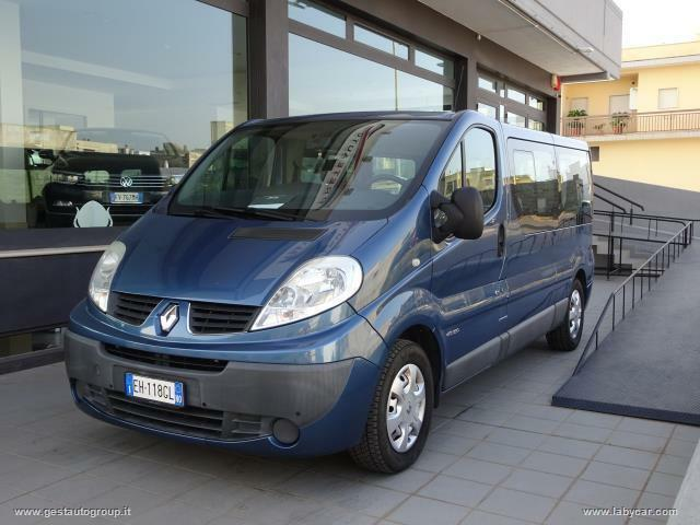 Renault trafic 2.5 dci pdc 4+1 allestimento disabili