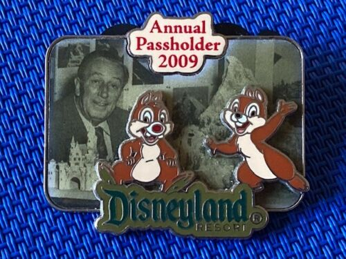Disney DLR - Passholder Exclusive - Chip and Dale with Walt and Matterhorn Pin