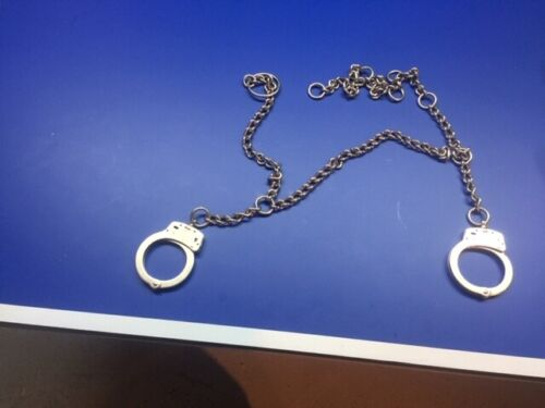 Smith & Wesson Model 1800 Belly Chain w/Handcuffs