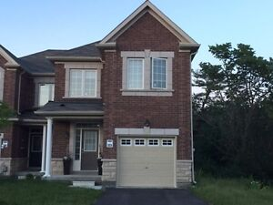 For Rent - 2 Years Old Family End Unit Townhome in Richmond Hill