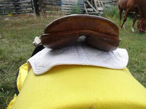 """18.5"""" English Saddle Penticton Kelowna image 4"""