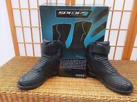 Brand new in box Spada leather motorcycle boots size 39 UK 5