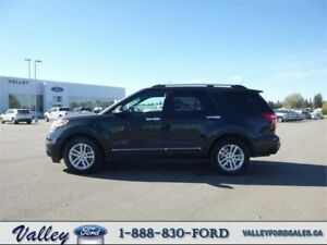 HEATED LEATHER 5-PASSENGER W TOW PACKAGE! 2015 Ford Explorer XLT