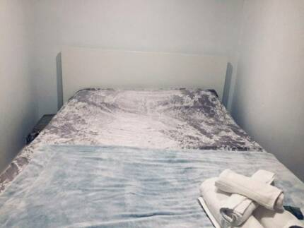 Studio short term furnished sublet Annandale Dec- Feb 100m to bus