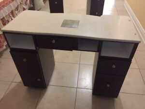 Nail dryer table and feet dryer table